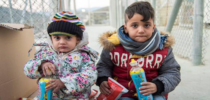 refugee-siblings-700x335